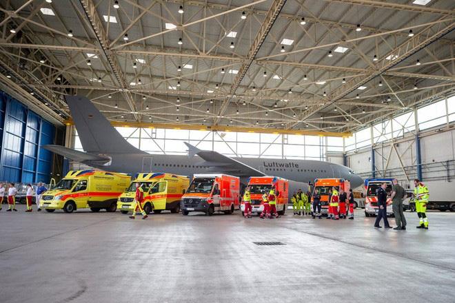 """Bên trong """"bệnh viện bay"""" Airbus A310 của quân đội Đức - Ảnh 9."""
