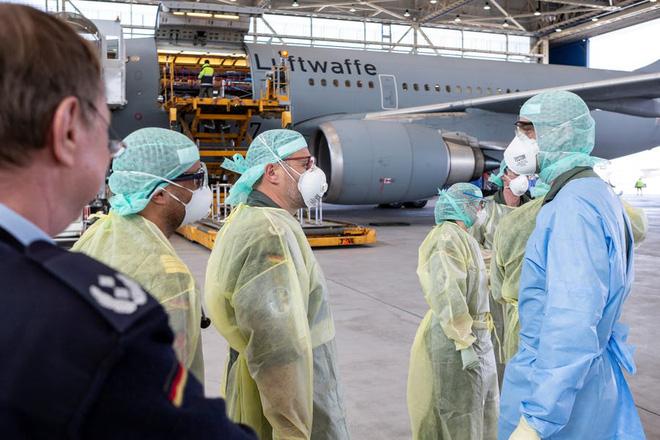 """Bên trong """"bệnh viện bay"""" Airbus A310 của quân đội Đức - Ảnh 7."""