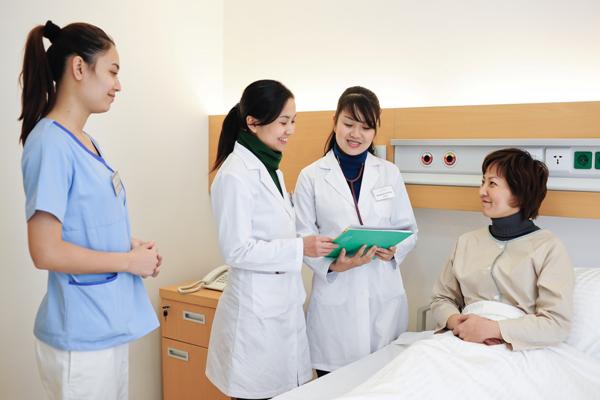 Nghề điều dưỡng tại Đức mang đến cho các bạn trẻ cơ hội việc làm tốt