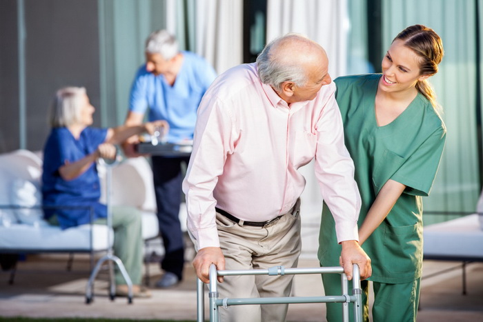 Nghề điều dưỡng viên sẽ vất vả hơn những ngành nghề khác tại Đức
